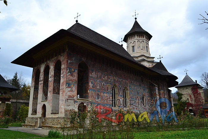 Moldovita Painted Church Bucovina Romania Unesco World Heritage 3 (2)