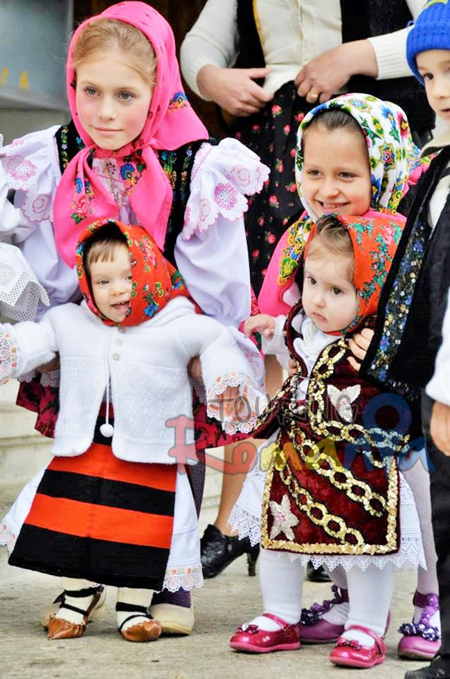 Easter in Maramures Romania photo source www villagehotelmaramures com 1