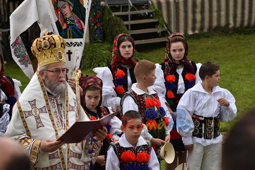 Maramures Traditions Private Guided Tour in Transylvania 6