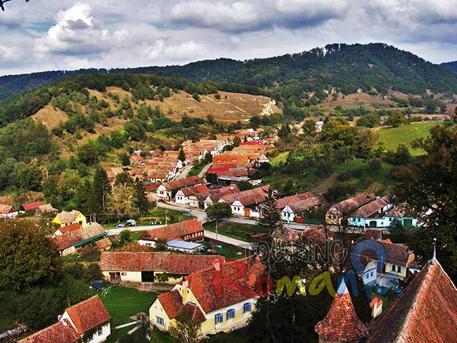 Travel Back in Time! Discover the Fortified Churches from the Saxon Villages of Transylvania!