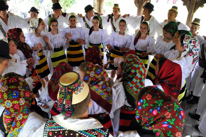 Easter in Maramures Romania photo source villagehotelmaramures com 21
