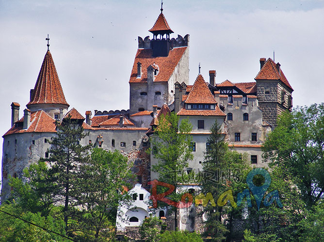 """Wonderful day trip to Brasov and Peles and Bran Castle"""