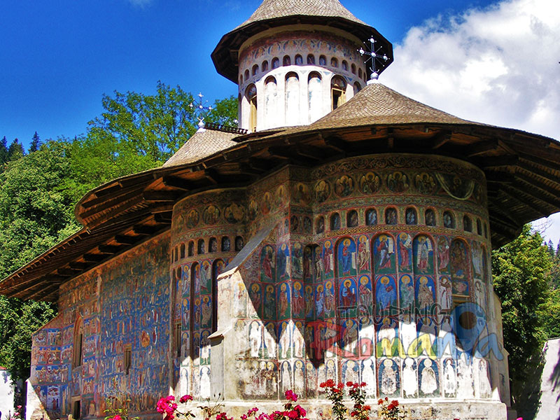 Bucovina Monasteries, Via Transylvania - Private Guided Tour - 4 days