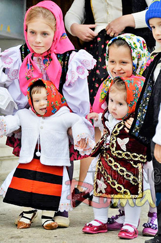 Easter in Maramures Romania photo source villagehotelmaramures 1