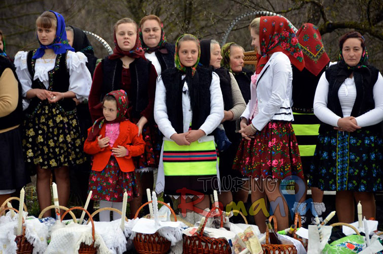 Easter in Maramures Romania photo source villagehotelmaramures 10