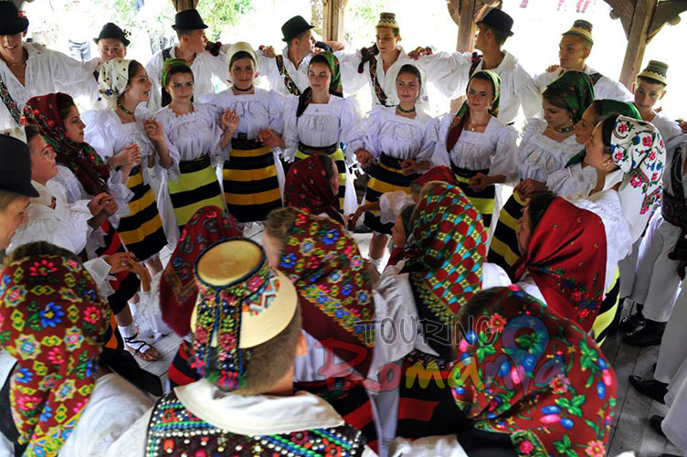 Easter in Maramures Romania photo source villagehotelmaramures 21