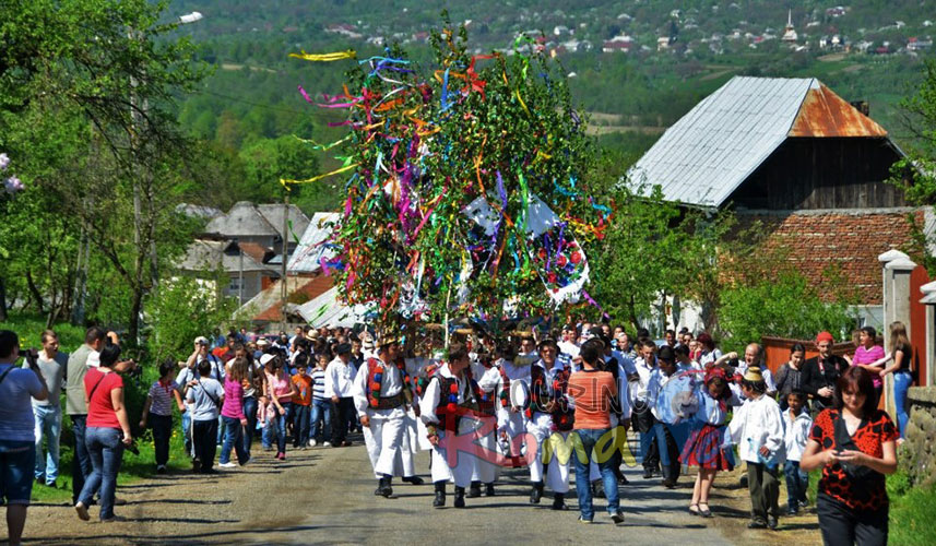Easter in Maramures Romania photo source villagehotelmaramures 23